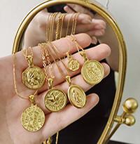 Серебряные колье с монетами