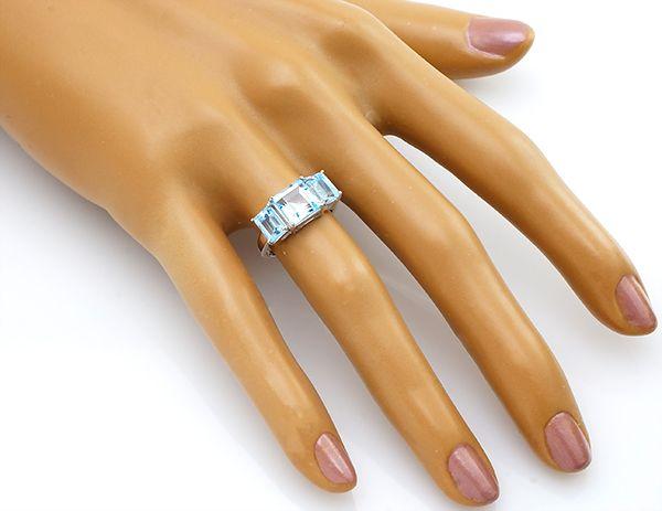 Кольцо с топазом в серебре 925 пробы