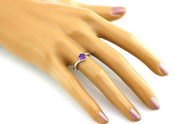 Кольцо с аметистом из серебра 925 пробы