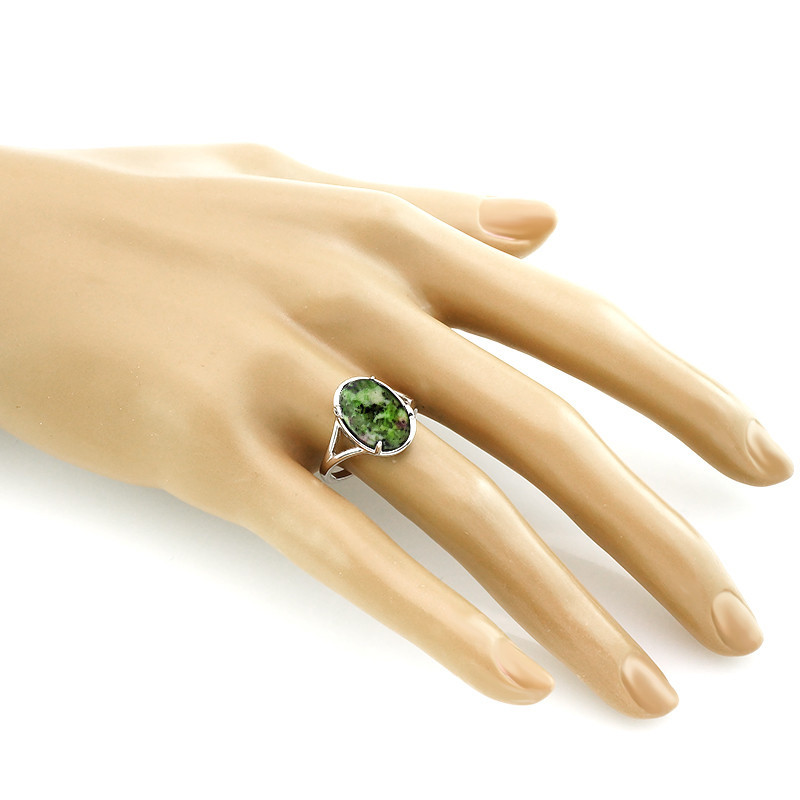 Кольцо с цоизитом ‒ Mirserebra925.ru