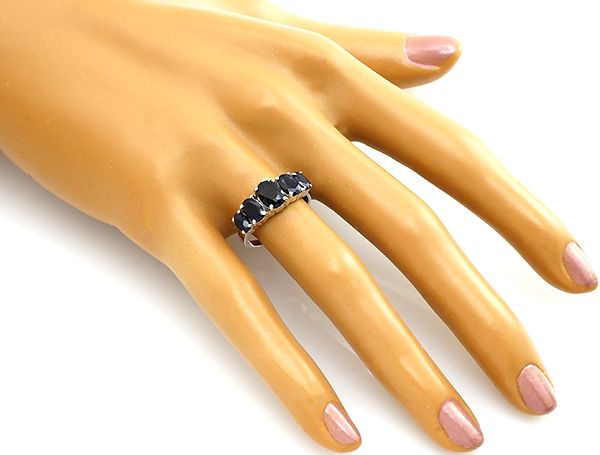 Кольцо с сапфиром из серебра 925 пробы
