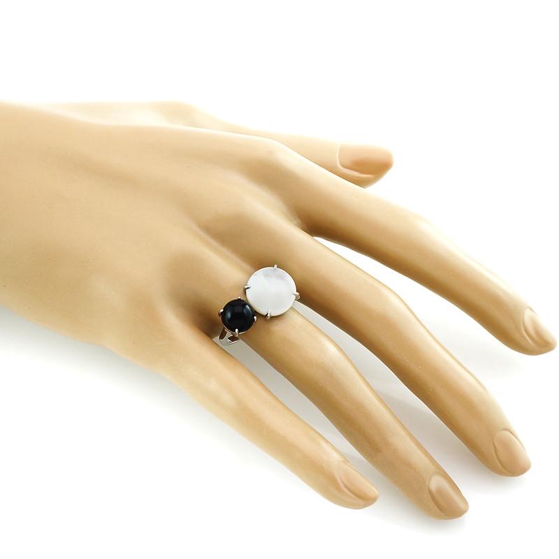 Кольцо с перламутром и ониксом ‒ Mirserebra925.ru