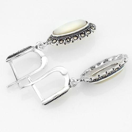 Серьги с марказитом и перламутром серебряные ‒ Mirserebra925.ru