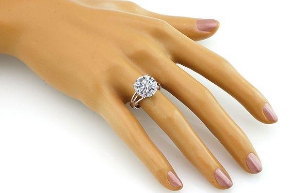 Кольцо с цирконом из серебра 925 пробы